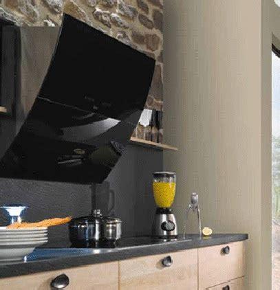 bureau noir verre hotte design arrondie en verre noir photo 6 15 cette