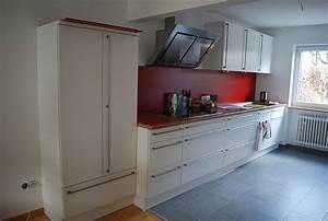 Fliesenspiegel Küche Verkleiden : fachm nnisch und g nstig alten fliesenspiegel verkleiden lassen ~ Orissabook.com Haus und Dekorationen