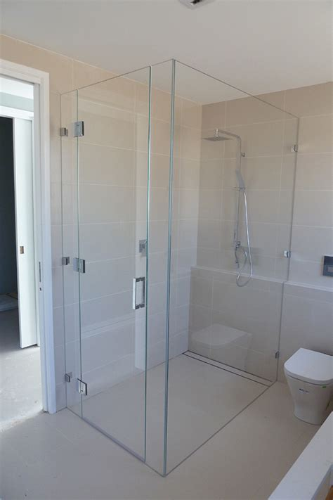 glass shower screens wahroonga  class glass call