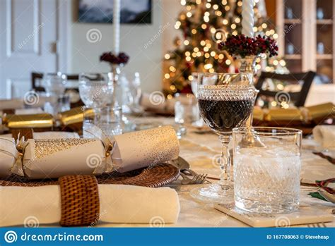 Traditional foods include roast beef. Non Traditional Christmas Lunch : 10 Traditional Christmas Meals Around The World - On christmas ...