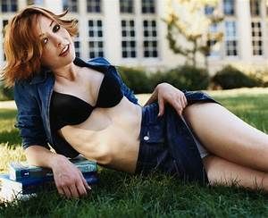 A View from the Beach: Rule 5 Saturday - Alyson Hannigan ...