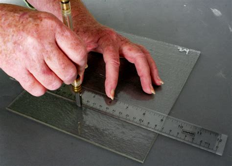 how to cut a basic glass cutting no 305