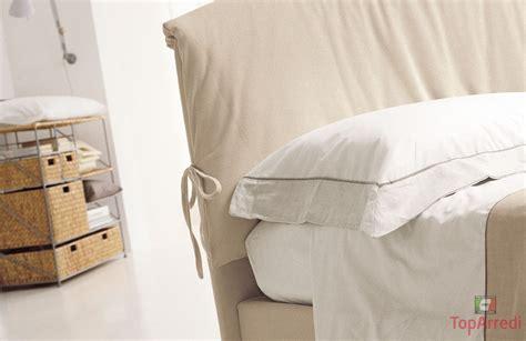 letto con cuscini letto imbottito matrinoniale