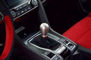 2020 Honda Civic Type R Vs 2020 Mercedes