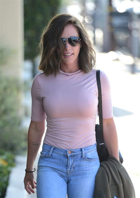 Kendra Wilkinson unveils dramatic new look after split ...