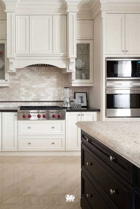 Give A Traditional Kitchen A Modern Breath With Soothing