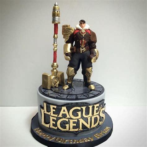 league  legends cake  sugar jayce figurine sugar