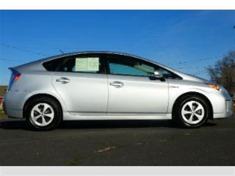 toyota prius  sale pricing features edmunds