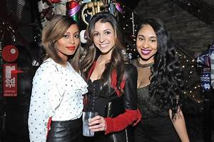 Photos Chicago Nightlife At Frostys Christmas Bar