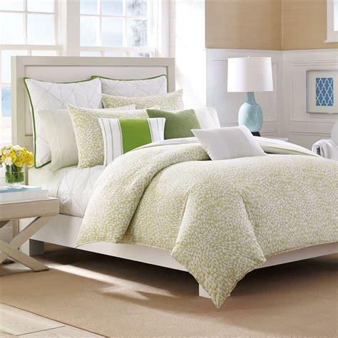 Duvet Vs Comforter Vs Coverlet by Duvet Vs Comforter Which Is Best For You Homesfeed