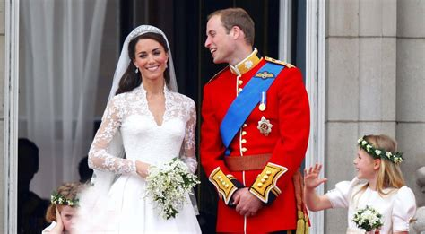 finally   kate middletons wedding shoes looked