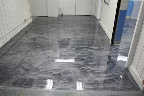 The designing options are limitless. Metallic epoxy floor - Bordben jern