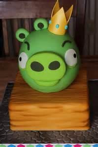 King Pig Angry Bird Birthday Cake