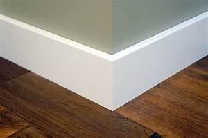 Sockelleisten Holz Weiß : sockelleiste fu leiste leiste birke massiv 15x90 mm wei lackiert nach ral 9010 flooring ~ Markanthonyermac.com Haus und Dekorationen