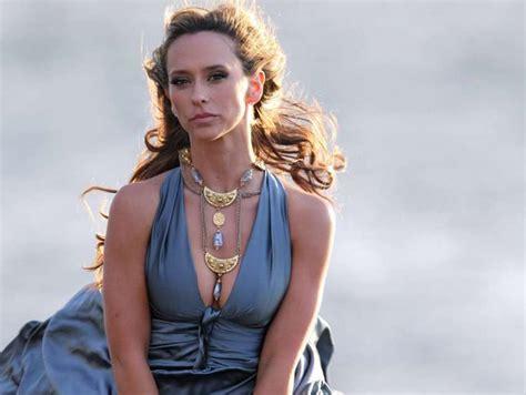 foto de Hollywoods Stars Pics: Jennifer Love Hewitt behind the
