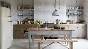 Awesome idee decoration cuisine photos design trends for Idee deco cuisine avec credence cuisine scandinave