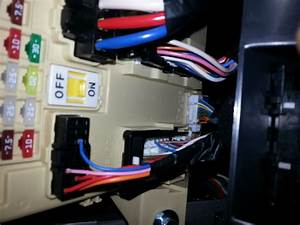 How-to  Aftermarket Amp Wiring Through Door Molex