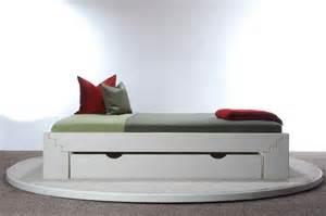 wohnzimmer braun einrichten jugendbett mit bettkasten airemoderne