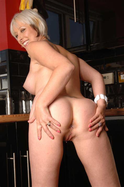 Sexyukpornstars Sexy Uk Pornstar British Blonde Milf Tracy