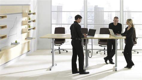 travailler debout bureau le travail debout assis simple tendance ou bénéfice réel