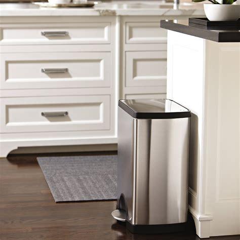 poubelle cuisine 50l design avis sur la poubelle à pédale 30l simplehuman en inox