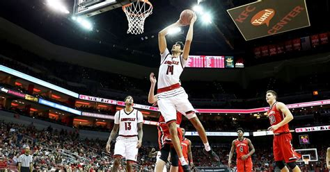 College Basketball Made Louisville, Then Broke It - Bloomberg