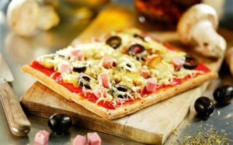 faire sa pate a pizza recette p 226 te 224 pizza et sa possible garniture pas ch 232 re et simple gt cuisine 201 tudiant