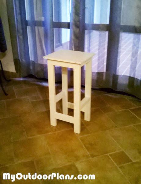 diy bistro stool myoutdoorplans  woodworking plans