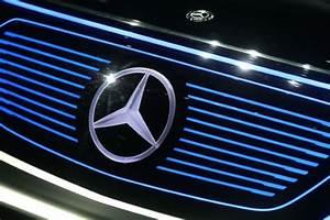 Mercedes Poids Lourds : d parts volontaires pour la filiale poids lourds mercedes benz de daimler l 39 usine auto ~ Medecine-chirurgie-esthetiques.com Avis de Voitures