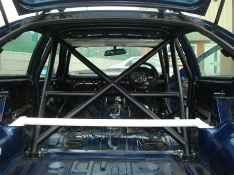 bmw  series  compact multi point bolt  roll cage
