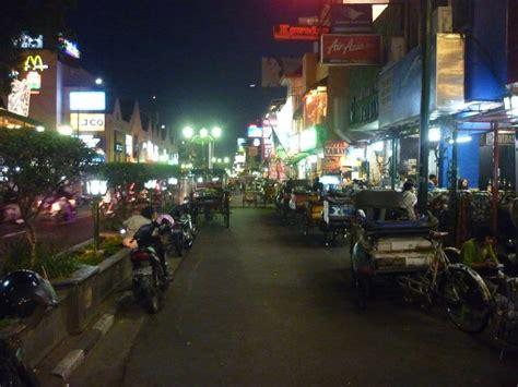 wisata jogja jalan malioboro aneka tempat wisata