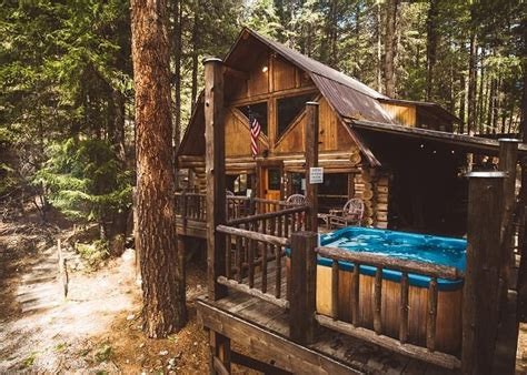 hand hewn log home wifi hot tub sat tv fido relaxation awaits updated