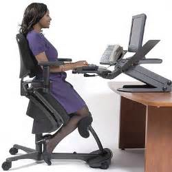 Kneeling Posture Office Chair Benefits by Kneeling Chair Vs Which Ergonomic Solution Is