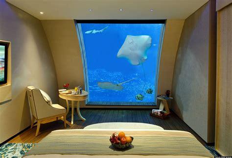 chambre aquarium singapore aquarium hotel sentosa suites with aquarium