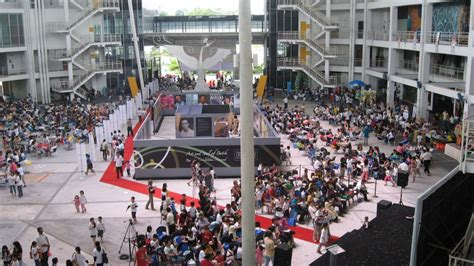 Limkokwing university is a private malaysian university that offers accredited and recognised diploma, degree and postgraduate programmes. Want to Study at Limkokwing University of Creative Technology? | StudyCo