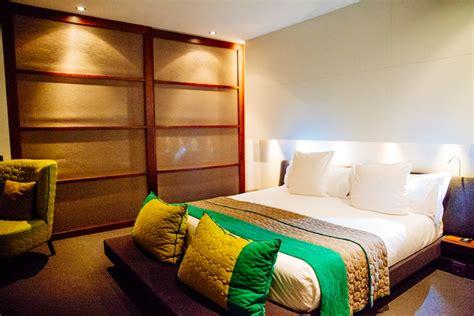 hotel barcelone dans chambre sixty two un hôtel à barcelone design et épuré