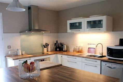 cuisine bois laqué cuisine moderne blanc et bois