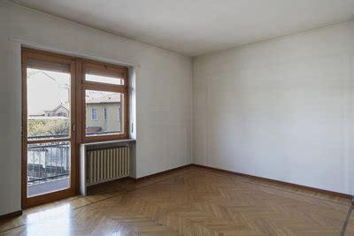 Nach Dem Streichen Fenster Auf Oder Heizung An by Warum Ist Die Heizung Immer Unter Dem Fenster