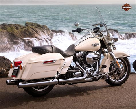 Harley Davidson Road King Wallpaper by Windows Wallpaper Harley Davidson Flhr Road King 2015