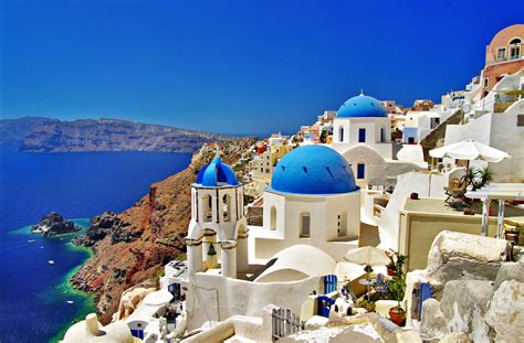 Top 30 Luxurious Hotels To Check Out In Santorini Greece
