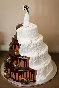 combined chocolate and vanilla and groom 39 s cake