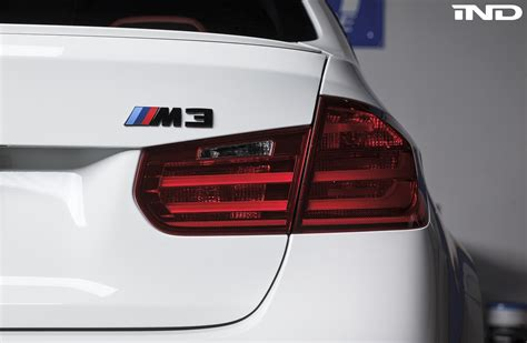 gloss black  matte black   painted rear emblem ind