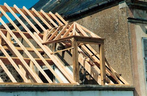 faire un chien assis toiture le trait carr 233 artisans bois morvan