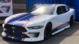 New Ford Mustang NASCAR Xfinity Series Unveiled, Race Debut in February - autoevolution