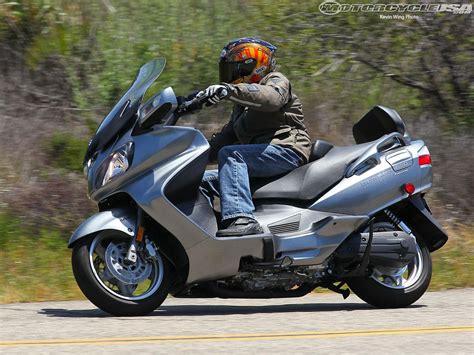Suzuki Bergman 650 by 2007 Suzuki Burgman 650 Moto Zombdrive