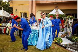 White man wears tradition outfit as he marries his Igbo ...
