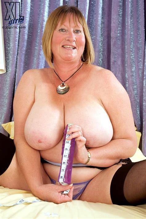 Free Milf Blonde Short Hair Fat Stockings Thong Big Naturals Big Tits Saggy Tits Tit Licking