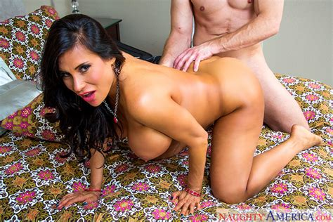 Sheila Marie & Bill Bailey in Seduced By A Cougar - Naughty America 4K Porn Videos