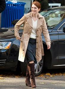 Make-up free and bespectacled Julianne Moore, 50, looks ...