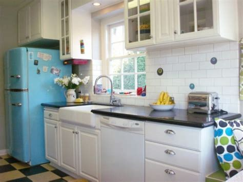 Charming Retro Kitchen Design Inspirations [PHOTOS]